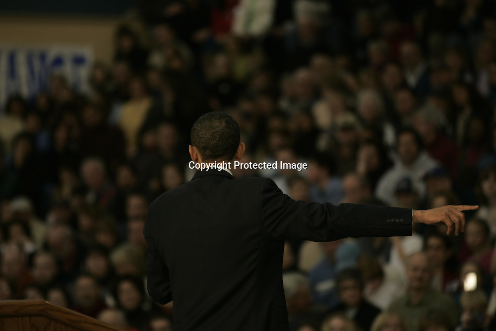 U.S. Democratic Presidential candidate Senator Barack Obama (D-IL) speaks during a campaign stop in Exeter, New Hampshire January 6, 2008.