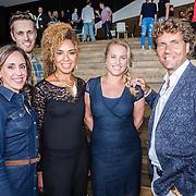 NLD/Amsterdam/20160829 - Seizoenspresentatie RTL 2016 / 2017, Amara Onwuka, Nicolien kroon, Dennis Wilt, Jennifer Faber