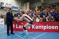 20190424 NED: Sliedrecht Sport - VC Sneek: Sliedrecht<br /> Sliedrecht Sport Nederlands Kampioen Volleybal Seizoen 2018 - 2019, Bram van Hemmen, Burgemeester Sliedrecht<br /> ©2019-FotoHoogendoorn.nl / Pim Waslander