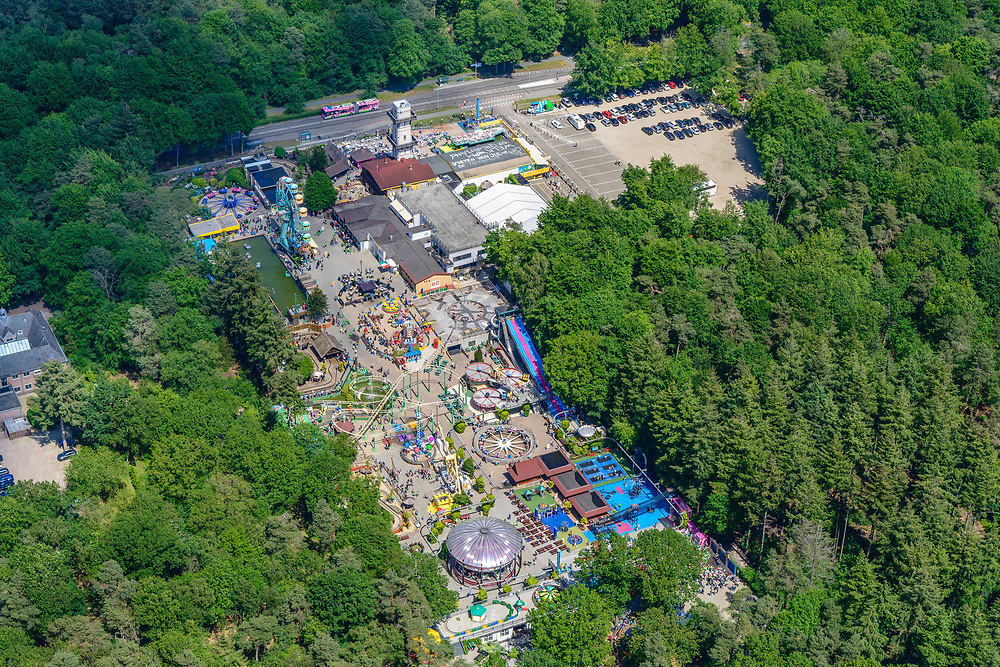Nederland, Gelderland, Apeldoorn, 29-05-2019; Apeldoorn West, Kinderpretpark Julianatoren, speeltuin.<br /> West Apeldoorn with children's playground.<br /> luchtfoto (toeslag op standard tarieven);<br /> aerial photo (additional fee required);<br /> copyright foto/photo Siebe Swart