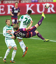 06.04.2014, Generali Arena, Wien, AUT, 1. FBL, FK Austria Wien vs SK Rapid Wien, 31. Runde, im Bild Brian Behrendt, (SK Rapid Wien, #3), Daniel Royer, (FK Austria Wien, #28) und Christopher Trimmel, (SK Rapid Wien, #28) // during Austrian Bundesliga Football 31st round match, between FK Austria Vienna and SK Rapid Vienna at the Generali Arena, Wien, Austria on 2014/04/06. EXPA Pictures © 2014, PhotoCredit: EXPA/ Thomas Haumer