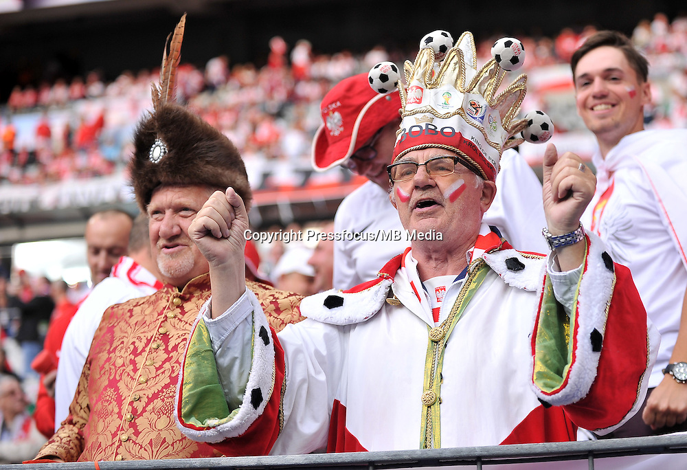 2016.06.16 Saint-Denis<br /> Pilka nozna Euro 2016<br /> mecz grupy C Polska - Niemcy<br /> N/z Kibice Polski, Fans Bobo<br /> Foto Lukasz Laskowski / PressFocus<br /> <br /> 2016.06.16 Saint-Denis<br /> Football UEFA Euro 2016 group C game between Poland and Germany<br /> Kibice Polski, Fans Bobo<br /> Credit: Lukasz Laskowski / PressFocus