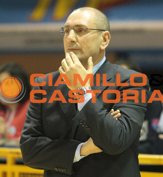 DESCRIZIONE : Lodi Lega A2 2009-10 Campionato UCC Casalpusterlengo - Riviera Solare RN<br /> GIOCATORE : Simone Lottici<br /> SQUADRA : UCC Casalpusterlengo<br /> EVENTO : Campionato Lega A2 2009-2010<br /> GARA : UCC Casalpusterlengo Riviera Solare RN<br /> DATA : 14/03/2010<br /> CATEGORIA : Allenatore<br /> SPORT : Pallacanestro <br /> AUTORE : Agenzia Ciamillo-Castoria/D.Pescosolido