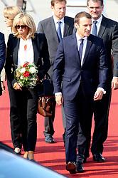 July 7, 2017 - Hamburg, Hamburg, Deutschland - Emmanuel Macron mit Gattin Brigitte bei der Ankunft zum 12. G20-Gipfel 2017 auf dem Hamburg Airport. Hamburg, 07.07.2017. (Credit Image: © Future-Image via ZUMA Press)