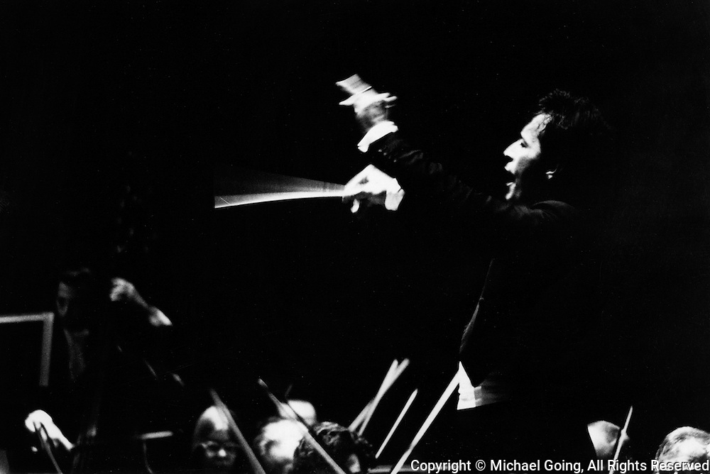 Zubin Mehta conductor and musical director of the LA Philharmoninc conducting a concert during 1972-73 season