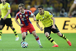 17.05.2014, Olympiastadion, Berlin, GER, DFB Pokal, Borussia Dortmund vs FC Bayern Muenchen, Finale, im Bild l-r: im Zweikampf, Aktion, mit Philipp Lahm #21 (FC Bayern Muenchen) und Nuri Sahin #18 (Borussia Dortmund) // during the mens DFB Pokal final match between Borussia Dortmund and FC Bayern Munich at the Olympiastadion in Berlin, Germany on 2014/05/17. EXPA Pictures © 2014, PhotoCredit: EXPA/ Eibner-Pressefoto/ Kolbert<br /> <br /> *****ATTENTION - OUT of GER*****