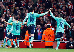 16.02.2011, Emirates Stadium, London, ENG, UEFA CL, FC Arsenal vs FC Barcelona, im Bild Barcelona's David Villa  makes 1-0 and celebrates  in Arsenal vs Barcelona for the UCL  ,Round of last 16, at the Emirates Stadium in London on 16/02/2011, EXPA Pictures © 2011, PhotoCredit: EXPA/ IPS/ Kieran Galvin +++++ ATTENTION - OUT OF ENGLAND/GBR and France/ FRA +++++