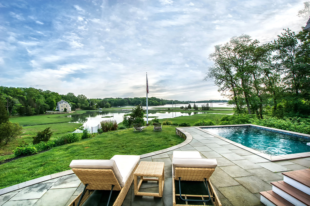 Specializing in fine residential home photography, Norwell real estate photographer Tom Sheehan provides high quality residential interior and exterior home photography for real estate agents throughout the entire  Massachusetts South Shore, including  Abington, Braintree, Cohasset, Duxbury, Hanover, Hingham, Hull, Norwell, Marshfield, Milton, Pembroke, Plymouth, Quincy, Rockland, Scituate, Weymouth.