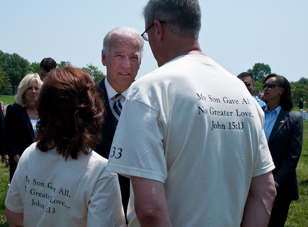 May 31, 2010 - Washington, District of Columbia, U.S., - Vice President Joe Biden pauses to talk to family and friends of fallen soldiers during his visit Arlington National Cemetery on Memorial Day.(Credit Image: © Pete Marovich/ZUMA Press)