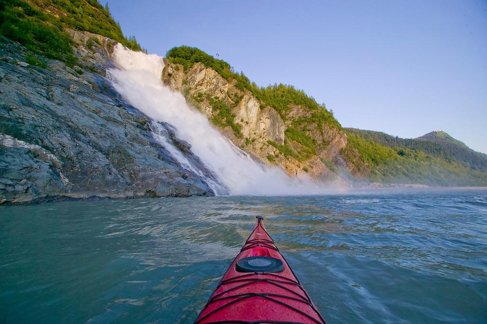 USA, Alaska, Inside Passage, Juneau, Nugget Creek Falls, Kayaking on Mendenhall Lake