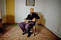 Hani Ramadan, le fr&egrave;re de l'&eacute;crivain Tariq Ramadan, parmi ses diff&eacute;rentes frasques, vient de d&eacute;clarer: &quot;La femme sans voile est comme une pi&egrave;ce de 2 euros, elle passe d&rsquo;une main &agrave; l&rsquo;autre&quot;.<br /> On peut donc consid&eacute;rer qu&rsquo;avec l&rsquo;âge il s&rsquo;assagit, il y a quelques ann&eacute;es il clamait plut&ocirc;t qu'il &eacute;tait pour une lapidation dissuasive.