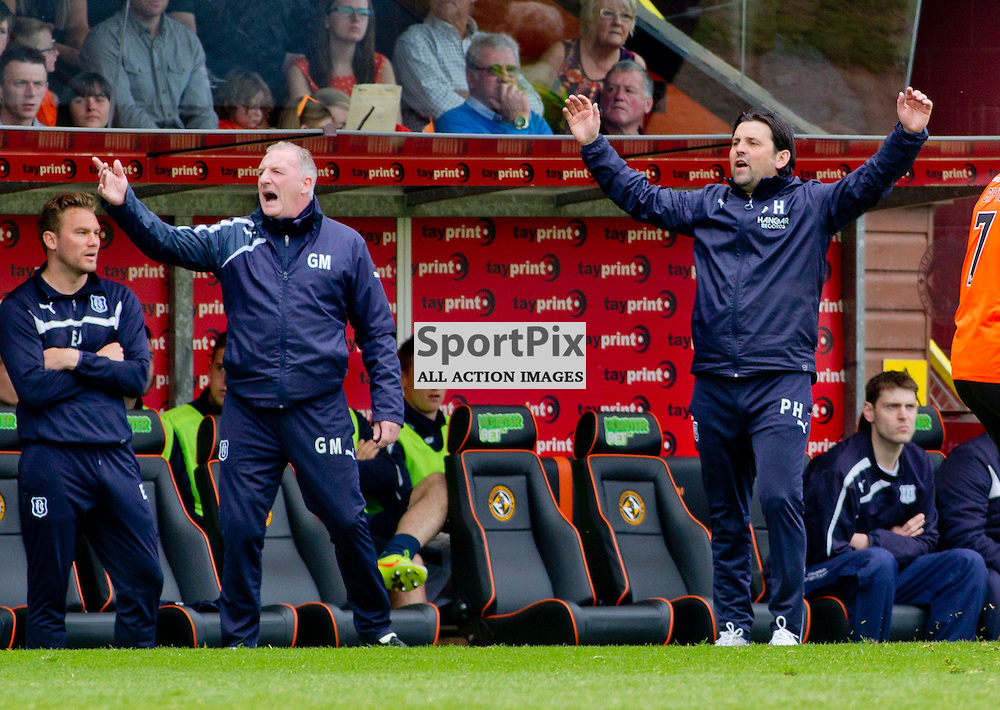 Dundee Utd v Dundee SPFL Premiership Tannadice Park 24 May 2015 <br /> Paul Hartley shouts on<br /> CRAIG BROWN | sportPix.org.uk