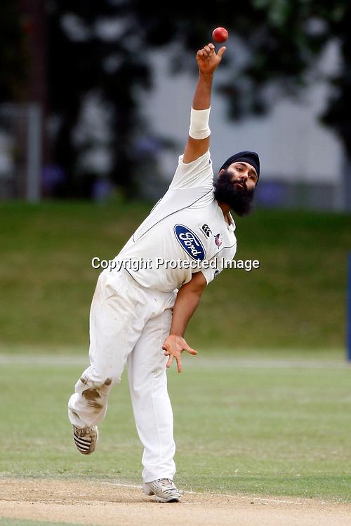 Bhupinder Singh in action, Plunket Shield cricket, Auckland Aces v Otago Volts. Colin Maiden Park, Auckland. 15 December 2009. Photo: William Booth/PHOTOSPORT