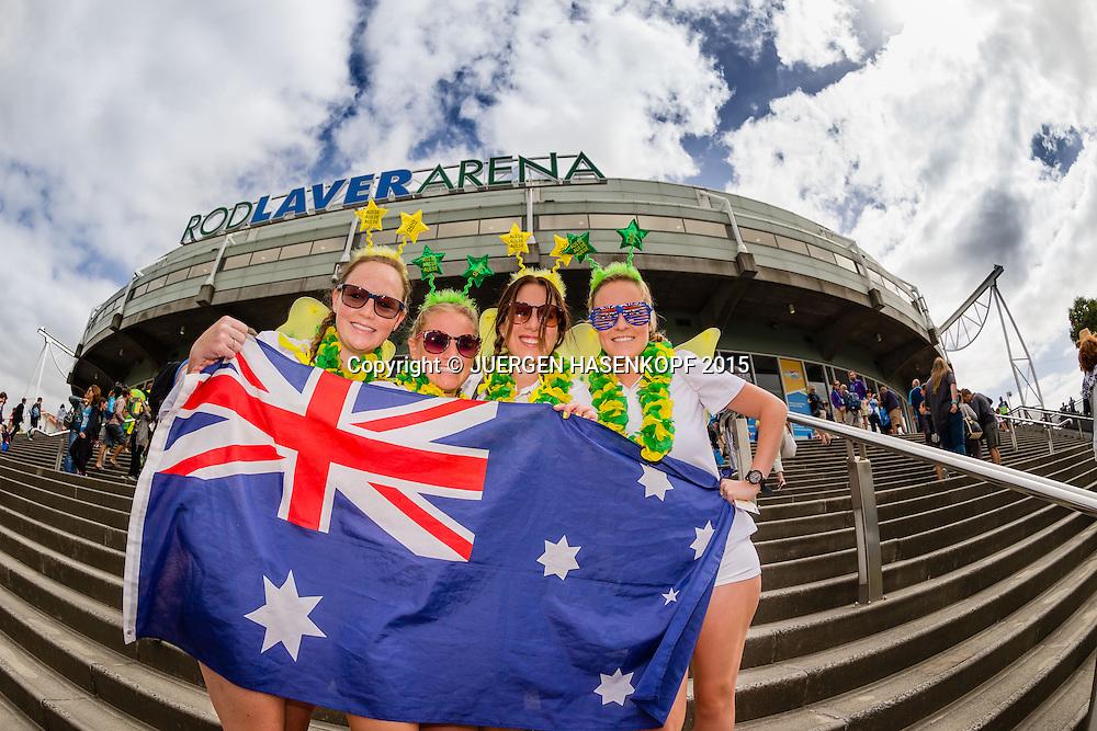 Feature- Fans vor der Rod Laver Arena<br /> <br /> Tennis - Australian Open 2015 - Grand Slam ATP / WTA -  Melbourne Olympic Park - Melbourne - Victoria - Australia  - 19 January 2015.