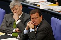 18 JUN 2003, BERLIN/GERMANY:<br /> Joschka Fischer (L), B90/Gruene, Bundesaussenminister, und Gerhard Schroeder (R), SPD, Bundeskanzler, im Gespraech, waehrend der Bundestagsdebatte zur Beteiligung der Bundeswehr am EU-gefuehrten Einsatz im Kongo, Plenum, Deutscher Bundestag<br /> IMAGE: 20030618-01-069<br /> KEYWORDS: Debatte, Rede, Gerhard Schröder, Gespräch,