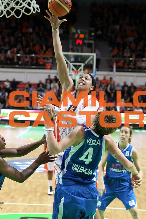 DESCRIZIONE : Ekaterinburg Fiba Euroleague Women 2010-2011 Final Four Final 3-4 Place UMMC Ekaterinburg Ros Casares Valencia<br /> GIOCATORE : Candace Parker<br /> SQUADRA : UMMC Ekaterinburg<br /> EVENTO : Euroleague Women<br /> 2010-2011<br /> GARA : UMMC Ekaterinburg Ros Casares Valencia<br /> DATA : 10/04/2011<br /> CATEGORIA : tiro<br /> SPORT : Pallacanestro <br /> AUTORE : Agenzia Ciamillo-Castoria/ElioCastoria<br /> Galleria : Fiba Europe Euroleague Women 2010-2011 Final Four<br /> Fotonotizia : Ekaterinburg Fiba Euroleague Women 2010-2011 Final Four Final 3-4 Place UMMC Ekaterinburg Ros Casares Valencia<br /> Predefinita :