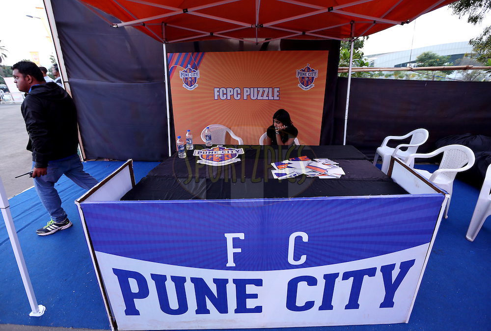 Fan Zone during match 33 of the Indian Super League (ISL) season 2  between FC Pune City and FC Goa held at the Shree Shiv Chhatrapati Sports Complex Stadium, Pune, India on the 8th November 2015.<br /> <br /> Photo by Sandeep Shetty / ISL/ SPORTZPICS