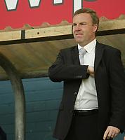 Photo: Aidan Ellis.<br /> Oldham Athletic v Swansea City. Coca Cola League 1. 22/04/2006.<br /> Kenny Jackett before the kick off