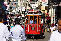 Turquie, Istanbul, quartier de Taksim, rue Istiklal Cad // Turkey, Istanbul, Taksim neighbourhood, Istiklal street
