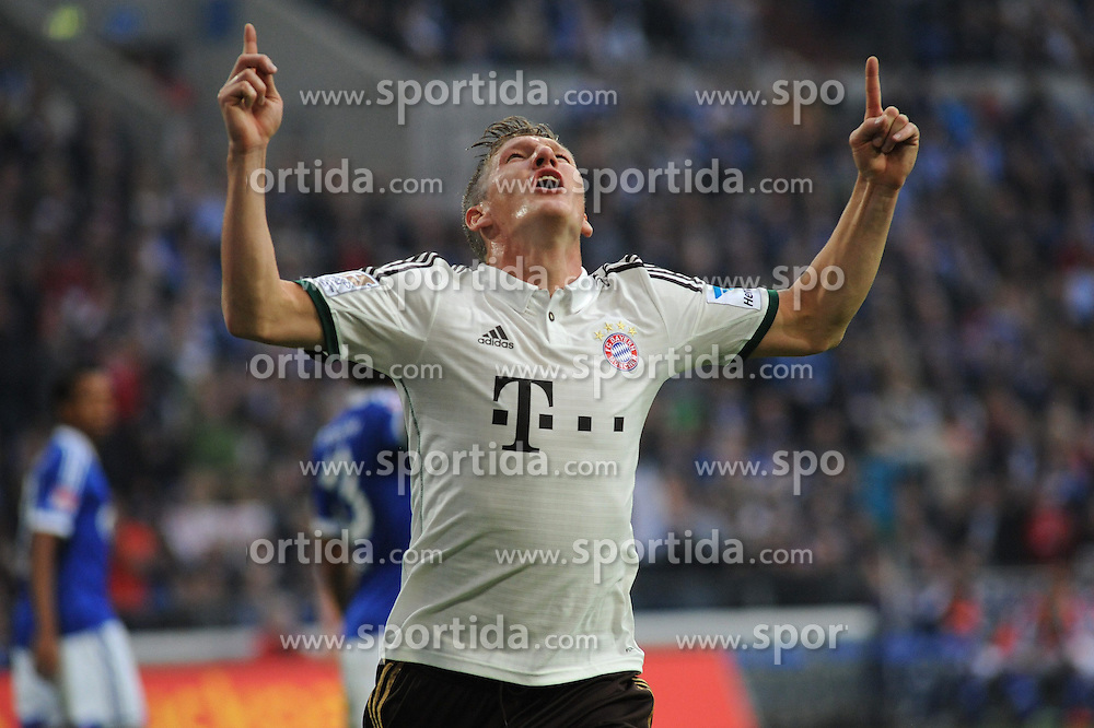 21.09.2013, Veltins Arena, Gelsenkirchen, GER, 1. FBL, Schalke 04 vs FC Bayern Muenchen, 6. Runde, im Bild Bastian Schweinsteiger ( FC Bayern Muenchen/ Halbportrait ) jubelt ueber seinen Treffer zum 1 : 0 // during the German Bundesliga 6th round match between Schalke 04 and FC Bayern Munich at the Veltins Arena, Gelsenkirchen, Germany on 2013/09/21. EXPA Pictures &copy; 2013, PhotoCredit: EXPA/ Eibner/ Thomas Thienel<br /> <br /> ***** ATTENTION - OUT OF GER *****