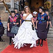 NLD/Den Haag/20180918 - Prinsjesdag 2018, Marianne Thieme met de dames uit Staphorst
