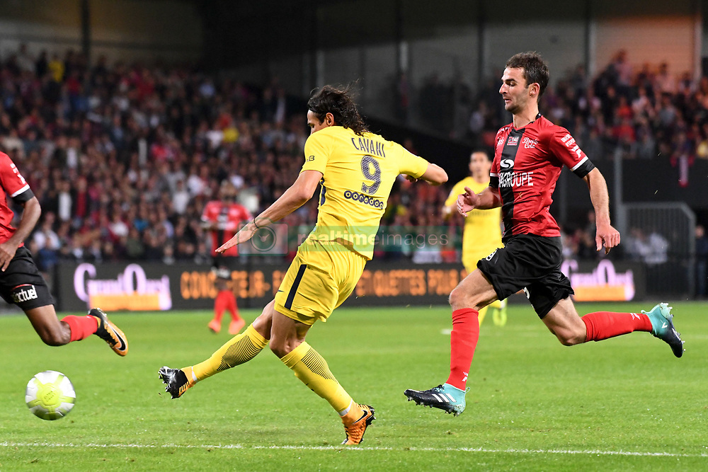August 13, 2017 - Guingamp, France - 09 EDINSON CAVANI (psg) - 29 Christophe KERBRAT (gui) - BUT (Credit Image: © Panoramic via ZUMA Press)