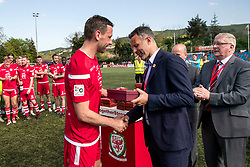 NEWTOWN, WALES - Sunday, May 6, 2018: Wales' manager Ryan Giggs presents the man of the match award to Connahs Quay Nomad captain George Horan during the FAW Welsh Cup Final between Aberystwyth Town and Connahs Quay Nomads at Latham Park. (Pic by Paul Greenwood/Propaganda)