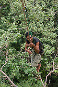 Look ma, no hands! Ois prefers to hold ropes with his feet