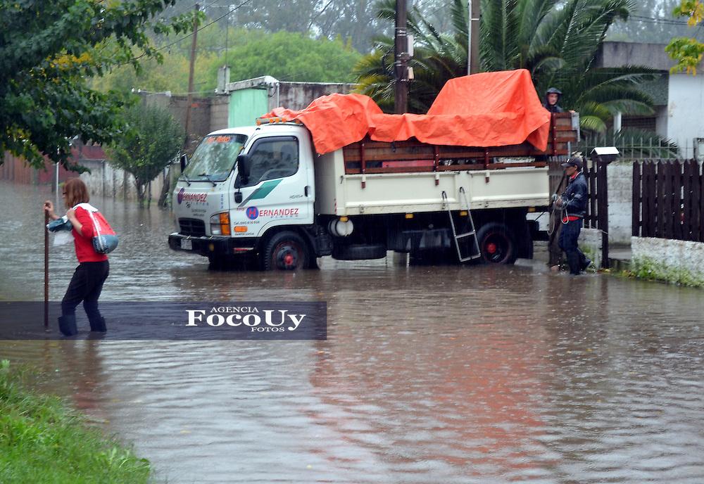 MONTEVIDEO,URUGUAY,19 de Abril.Inundaciones en  la cuidad de Santa Lucia,departamento de Canelones.Montevideo,Uruguay.19 de Abril del 2016.Foto:Santiago Porcal- Focouy