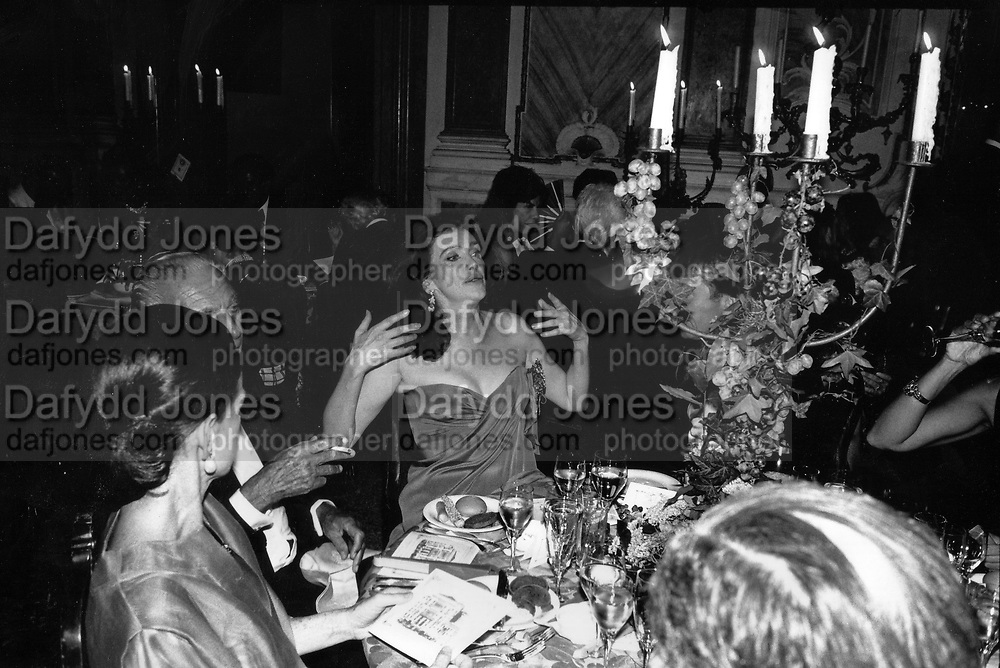 Anne Getty at party December 1991 ONE TIME USE ONLY - DO NOT ARCHIVE  © Copyright Photograph by Dafydd Jones 66 Stockwell Park Rd. London SW9 0DA Tel 020 7733 0108 www.dafjones.com