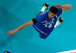 09-06-2013 VOLLEYBAL: WORLD LEAGUE NEDERLANDS - JAPAN: APELDOORN<br /> Nederland wint ook de tweede wedstrijd en verslaat Japan met 3-0 / Niels Klapwijk<br /> ©2013-FotoHoogendoorn.nl