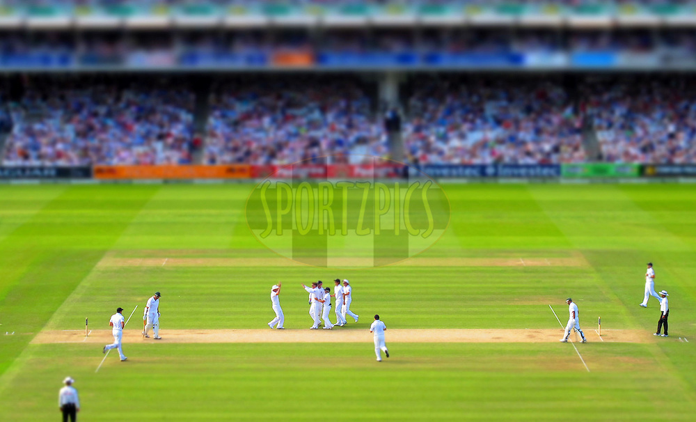© Andrew Fosker / Seconds Left Images 2012 - England celebrate as England's Graeme Swann captures the wicket of South Africa's Graeme Smith (L) (c) LBW - England v South Africa - 3rd Investec Test Match - Day 3 - Lord's Cricket Ground - 18/08/2012 - London - UK - All rights reserved