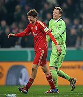 FUSSBALL   DFB POKAL   SAISON 2011/2012   HALBFINALE  Borussia Moenchengladbach - Bayern Muenchen      21.03.2012 Thomas Mueller (li) und Torwart Manuel Neuer (re, beide FC Bayern Muenchen) freuen sich nach dem Spielende