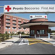 Ingresso dell' Ospedale S.Maria di Misercordia Albenga (SV) .22 agosto 2011