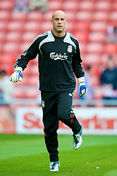 SUNDERLAND, ENGLAND - Saturday, August 16, 2008: Liverpool's goalkeeper Pepe Reina warms-up before the opening Premiership match of the season against Sunderland at the Stadium of Light. (Photo by David Rawcliffe/Propaganda)