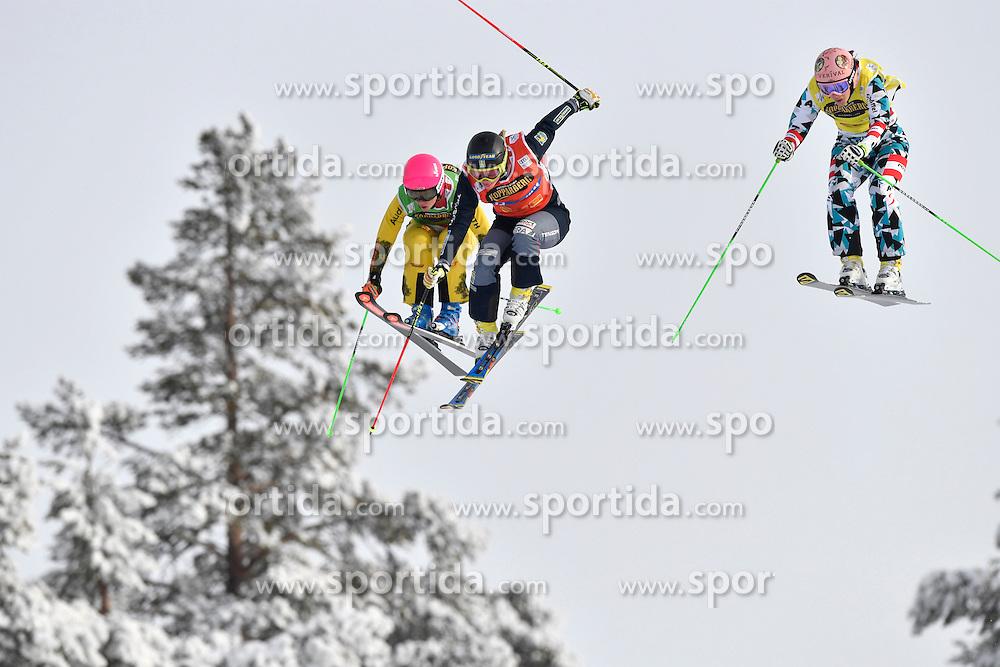 12.02.2017, Idre Fj&auml;ll, SWE, FIS Weltcup Ski Cross, Idre Fj&auml;ll, im Bild Sandra Naslund mit Heidi Zascher und Kathrin Ofner of austria // during the FIS Ski Cross World Cup in Idre Fj&auml;ll, Sweden on 2017/02/12. EXPA Pictures &copy; 2017, PhotoCredit: EXPA/ Nisse Schmidt<br /> <br /> *****ATTENTION - OUT of SWE*****