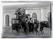 stagecoach public transport 1900s France