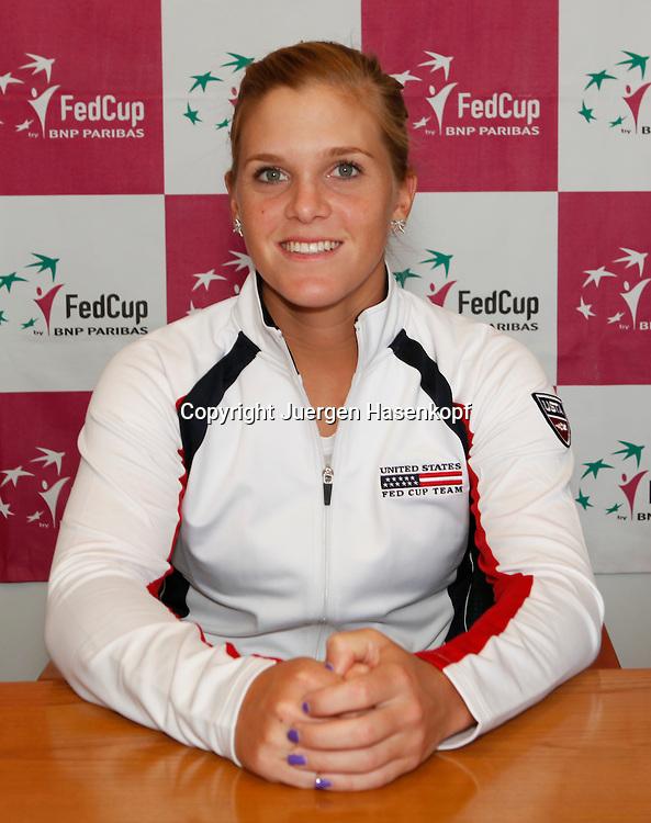 Fed Cup 2011 in Stuttgart, internationales ITF  Damen Tennis Turnier, Mannschafts Wettbewerb, team competition,Pressekonferenz,Pk, Auslosungs Zeremonie, Melanie Oudin (USA),