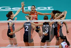 01-10-2014 ITA: World Championship Volleyball Servie - Nederland, Verona<br /> Nederland verliest met 3-0 van Servie en is kansloos voor plaatsing final 6 / Lonneke Sloetjes, Myrthe Schoot, Celeste Plak