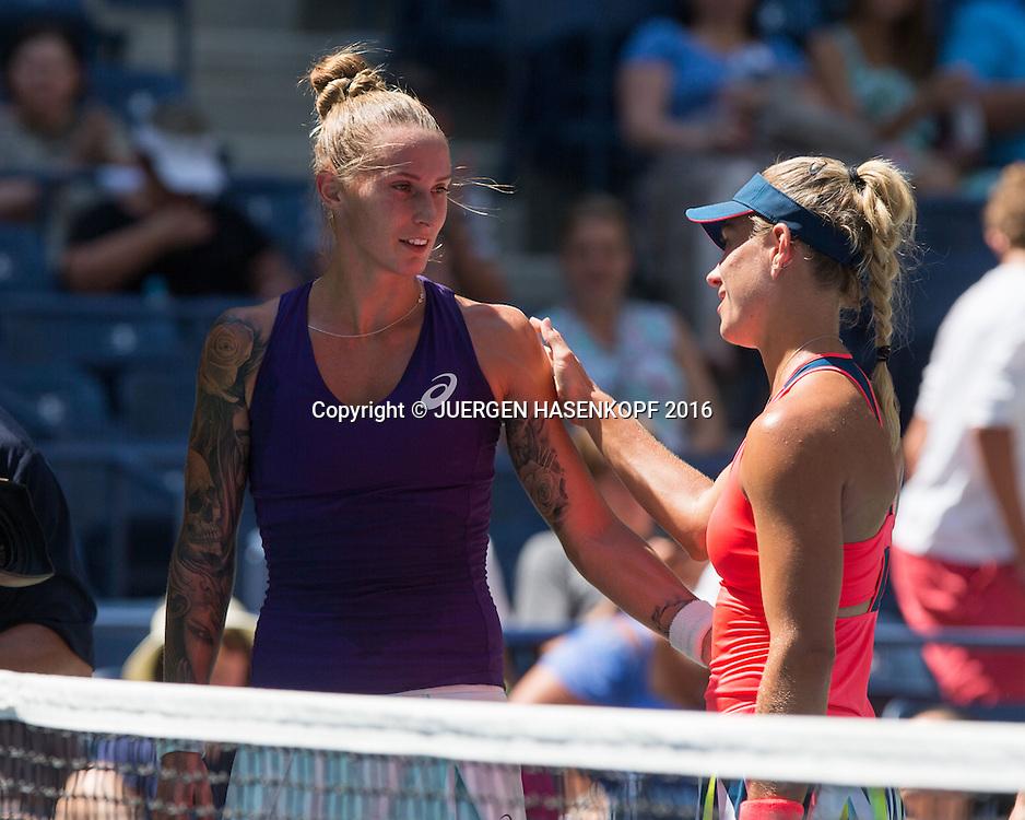 ANGELIQUE KERBER (GER) troested Polona Hercog nach dessen  verletzungsbedingter Aufgabe <br /> <br /> Tennis - US Open 2016 - Grand Slam ITF / ATP / WTA -  Flushing Meadows - New York - New York - USA  - 29 August 2016.