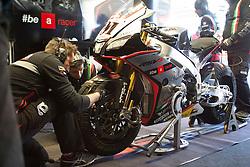 18.04.2015, Assen Circuit, Assen, NED, FIM, Superbike WM, Assen, Qualifying, im Bild Das Motorrad von 91 Leon Haslam / Groflbritannien / Aprilia Racing Team - Red Devils // during the Qualifying for the FIM Superbike Dutch Grand Prix at the Assen Circuit in Assen, Netherlands on 2015/04/18. EXPA Pictures © 2015, PhotoCredit: EXPA/ Eibner-Pressefoto/ Stiefel<br /> <br /> *****ATTENTION - OUT of GER*****