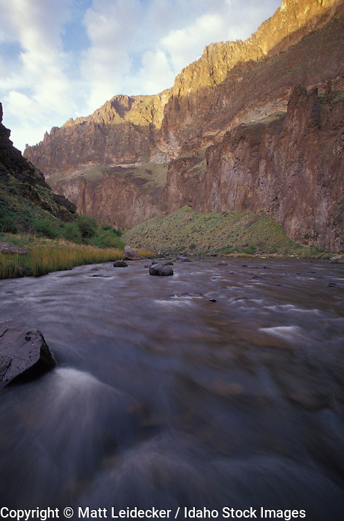 Idaho, lower Owyhee, Canyonlands,  River.  Montgomery canyon waters blur in the afternoon.