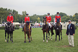 Team USA : McCrea Christine, Farrington Kent, Kraut Laura, Madden Beezie, chef d'equipe George Morris (USA)<br /> FEI Nations Cup of England<br /> The Longines Royal International Horse Show Hickstead 2011<br /> © Hippo Foto - Beatrice Scudo
