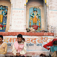 HINDU WORSHIP ON THE GANGES AT VARANASI
