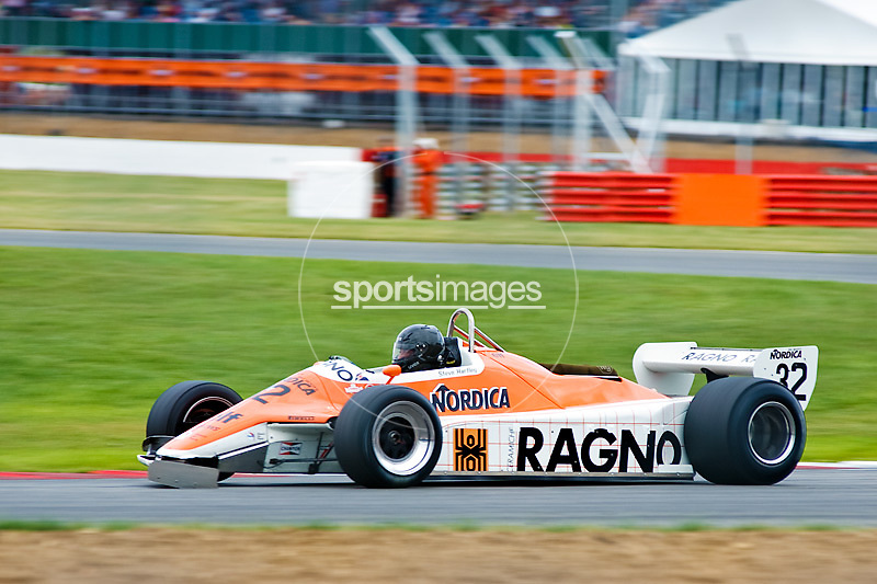 Car No 32 heads around Luffield. Silverstone Classic - 66-85 F1- 25/7/10.