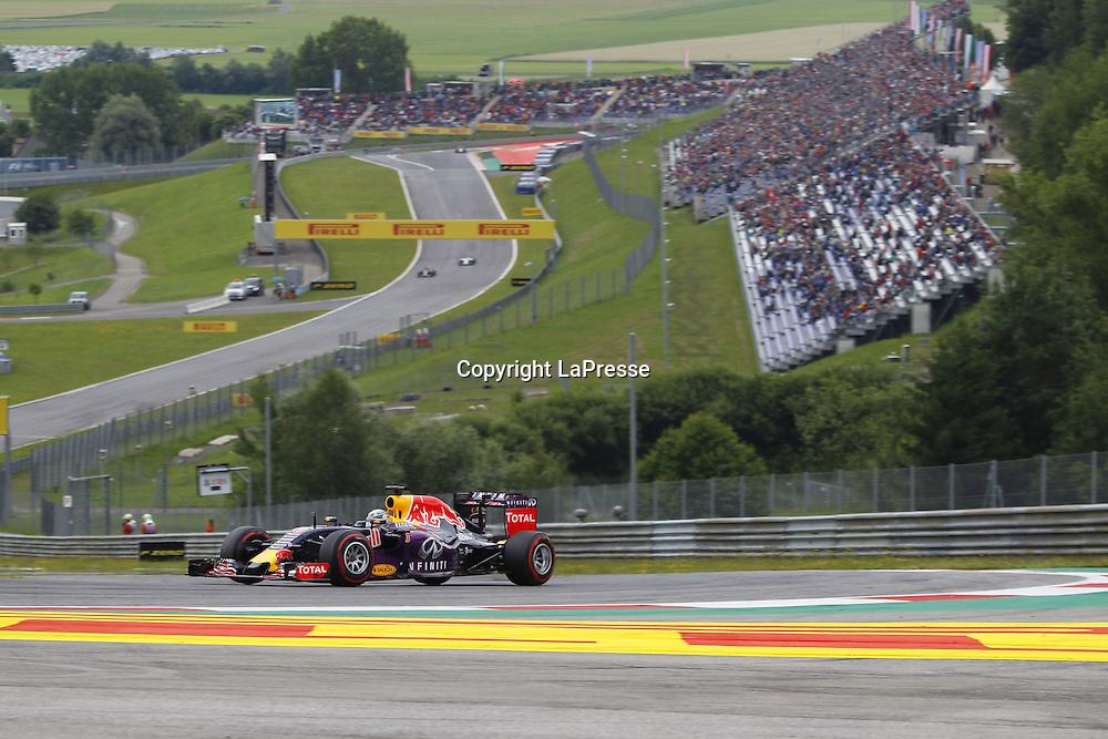 &copy; Photo4 / LaPresse<br /> 20/06/2015 Spielberg, Austria<br /> Sport <br /> Grand Prix Formula One Austria 2015<br /> In the pic: Qualifying, Daniel Ricciardo (AUS) Red Bull Racing RB11