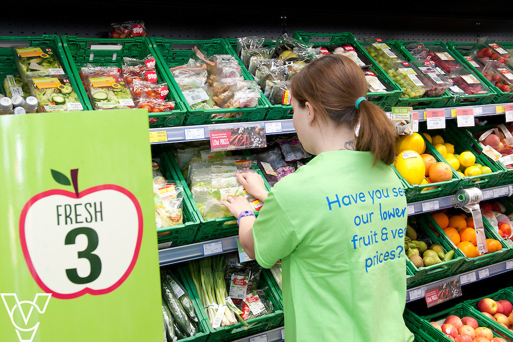 Fresh three fruit branding<br /> <br /> Lincolnshire Co-operative food store, Long Bennington, Lincolnshire.<br /> <br /> Date: September 28, 2015