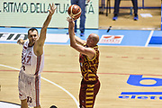 DESCRIZIONE : Supercoppa 2015 Semifinale Olimpia EA7 Emporio Armani Milano - Umana Reyer Venezia<br /> GIOCATORE : Hrvoje Peric<br /> CATEGORIA : Tiro Tre Punti Three Point Ritardo<br /> SQUADRA : Umana Reyer Venezia<br /> EVENTO : Supercoppa 2015<br /> GARA : Olimpia EA7 Emporio Armani Milano - Umana Reyer Venezia<br /> DATA : 26/09/2015<br /> SPORT : Pallacanestro <br /> AUTORE : Agenzia Ciamillo-Castoria/GiulioCiamillo
