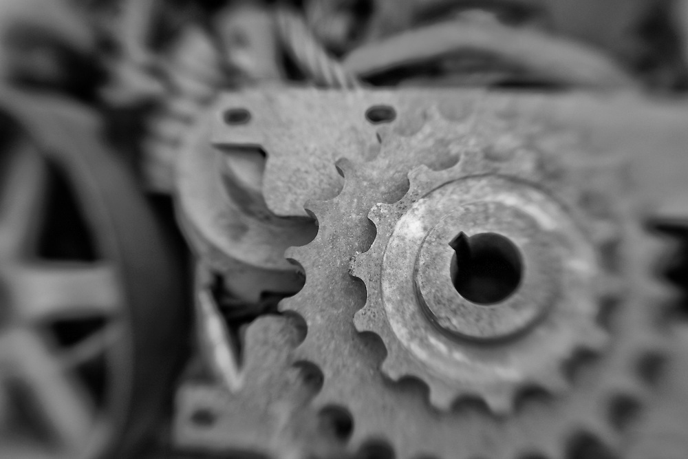 Rusted Gears - Pottsville - Merlin, Oregon - Lensbaby - Black & White