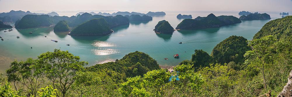 Vietnam Images-Panoramic seascape- Cat Ba island-Hai Phong. hoàng thế nhiệm